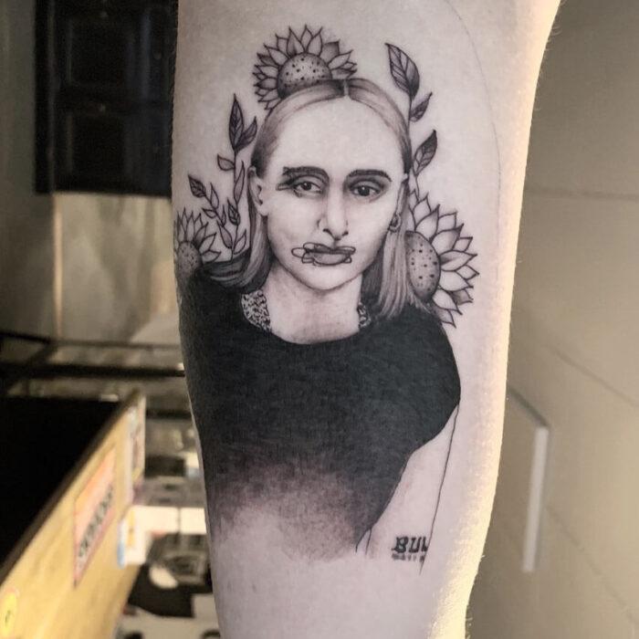 Tattoo Silvana Imam by Julia Hård Crooked Moon Helsingbog